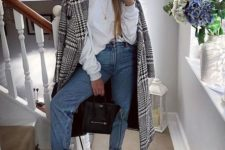 03 blue high waisted and cropped jeans, white trainers, a white hoodie and a printed coat