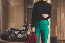 08 a black turtleneck and a cap, emerald cropped pants, grene V cut shoes and a red bag