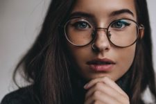 08 accent your beautiful face with oversized glasses and a hoop piercing in your nose