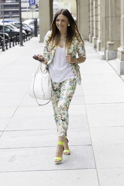 With white t shirt, white tote bag and yellow sandals