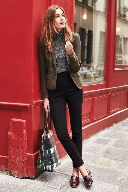 With gray shirt, blazer, tote and black pants