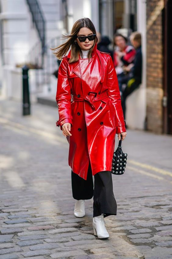 a white turtleneck, blakc wideleg cropped pants, white boots and a red lacquered leather trench for the fall