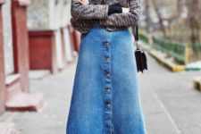 08 a simple look with a sweater, a blue denim A-line skirt on buttons, tights and blakc booties for fall