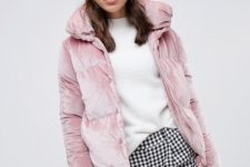 21 a cute look with printed pants, a white jumper, a pink beanie and a pink velvet padded jacket