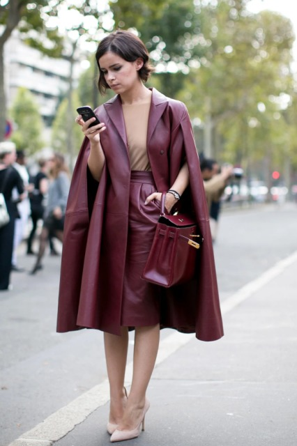 With beige shirt, marsala pencil skirt, beige pumps and marsala bag