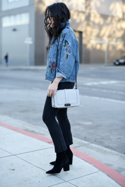 With gray chain strap bag, cropped pants and boots