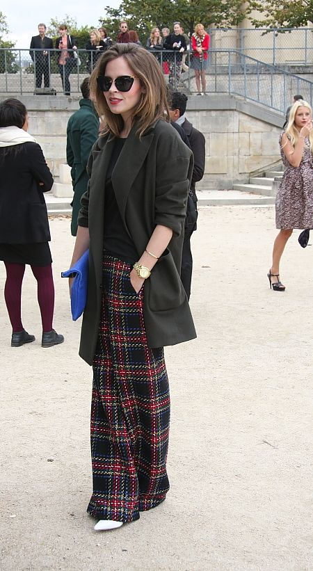 a stylish look with a black tee, an oversized black blazer, wideleg plaid pants and white shoes
