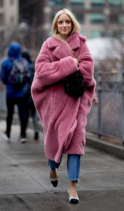 wrap up in an oversized faux fur coat liek this one and add a colorful touch to your look at the same time
