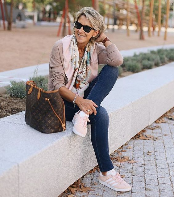 pink trainers instead of shoes or heels bring comfort and will make your outfit much more modern and young