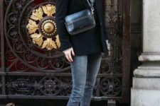 07 grey skinnies, a grey sweater, black boots and a black blazer coat plus a black bag for winter