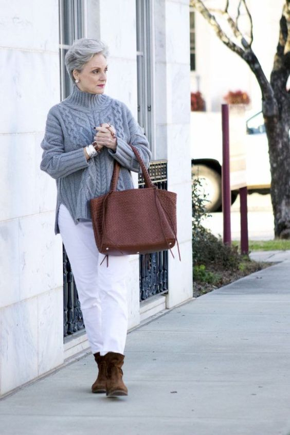 white jeans instead of pants is a fresh idea to finish off the look with a touch of contrast