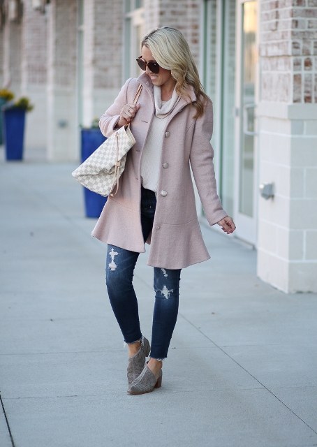 With loose shirt, printed tote bag, distressed jeans and suede shoes