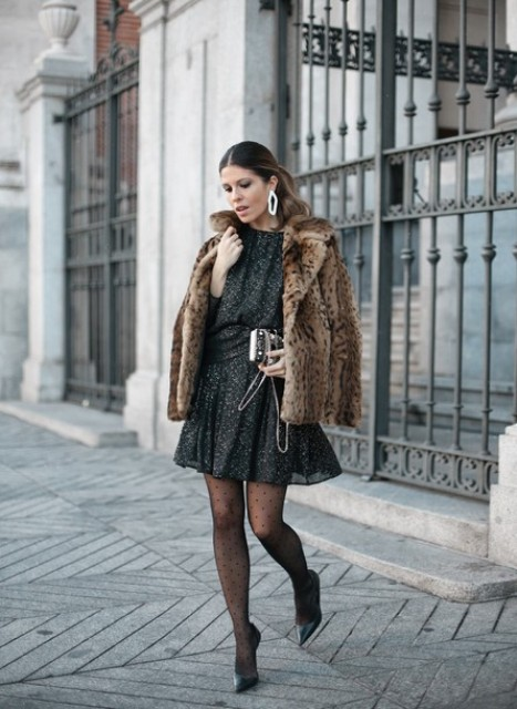 With printed airy dress, leopard printed fur coat, clutch and pumps