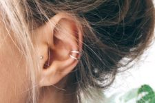 07 two silver minimalist ear cuffs look very trendy and give a spice to the look immediately