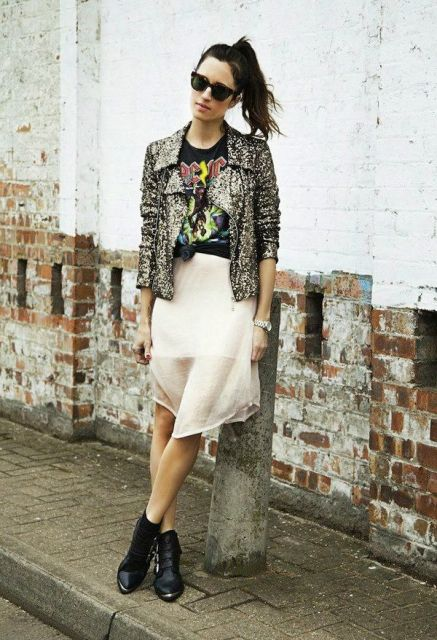 With printed t shirt, white airy skirt and black boots