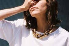 spruce up your simple white tee or shirt with a gold chunky chain necklace like here