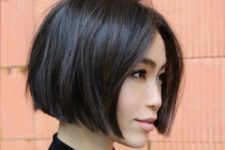 02 a chic and bold jawline bob with much volume and a bit of texture is a chic and bold idea