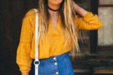 03 a relaxed look with a boho marigold blouse, a denim mini with buttons and a white bag