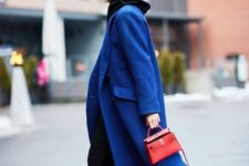 11 wear a classic blue midi coat with a hoodi and jeans to feel comfortable and stylish this winter