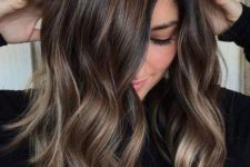 12 dark chocolate hair with lighter highlights to give it a shape and a volume