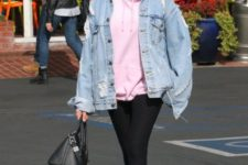 13 an oversized pink hoodie plus an oversized denim jacket will make your look ultimate