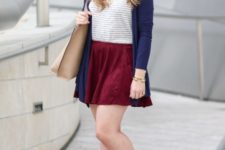 With striped shirt, cardigan, marsala mini skirt and beige tote bag