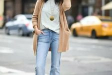 With t-shirt, light brown cardigan and cutout shoes
