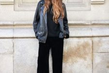 03 a total black look with a top, culottes, Converse high tops and a black leather jacket for spring