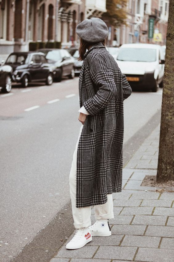 white straight jeans, white Converse high tops, a printed midi coat, a grey beret for spring