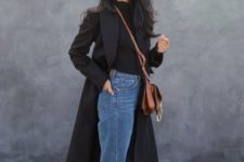 08 a black turtleneck, blue straight jeans, black sneakers and a black midi coat for spring