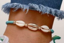 09 a usual and gilded seashell anklet with turquoise and gold beads looks bold and trendy