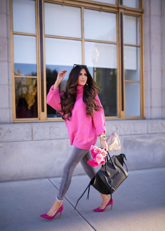 an oversized pink sweatshirt, grey skinnies, pink shoes and a black bag for Valentine's Day
