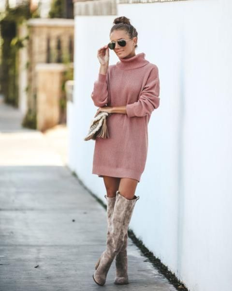 With tassel bag and gray suede boots