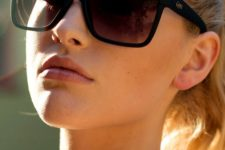 cool modern D-frame sunglasses in classic and basic colors are classics mixed up with something modern