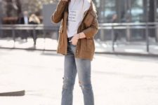 09 a printed tee, blue cropped jeans, two tone shoes, a brown leather cargo jacket for spring