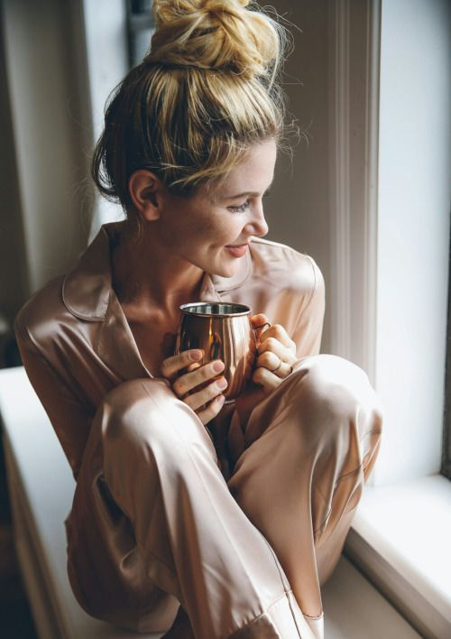 blush silk pajamas are classics, they work anytime, for anyone and look refined and very stylish