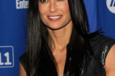 11 Demi Moore's long straight cut can be a nice example of what's trendy this year