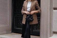 a neutral but cool work outfit for spring
