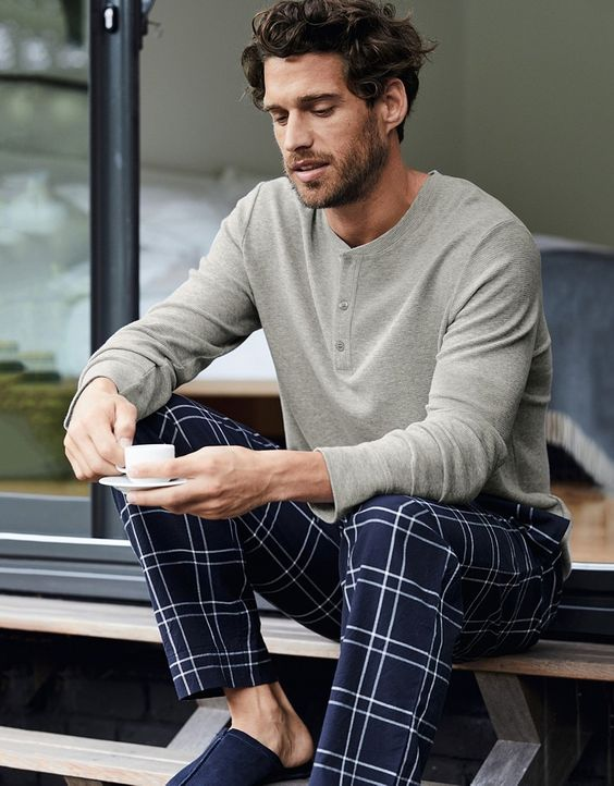 simple pajamas with navy printed pants, a grey long sleeve tee is always a good idea to relax at home