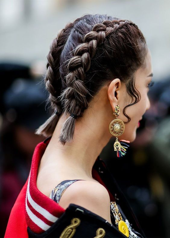 15 Easy And Chic Ways To Style Short Hair Styleoholic
