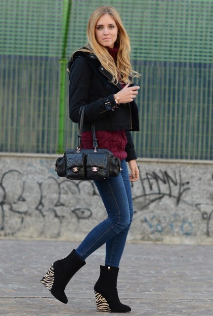 With black cropped jacket, marsala shirt, skinny jeans and black bag