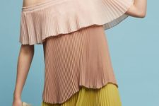 With striped fringe clutch