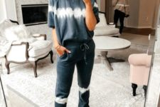 a dip dyed oversized tee and matching pants for comfy wearing them at home – choose natural fabrics