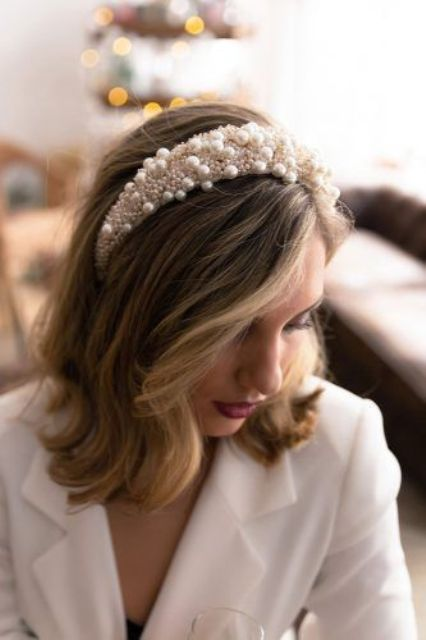 if you have a super girlish mood, you can wear a full pearl and bead headband like this one