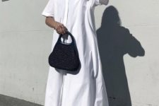 a white midi shirtdress, neutral mules, a black bag for a stylish and very simple summer look