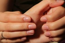 02 clear nails without any nail polishes are a hot trend of this yearand they are easy to DIY