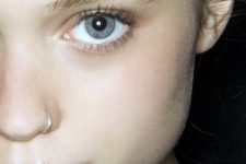 05 silver hoop earrings will do, too, if they beautifully match your skin tone