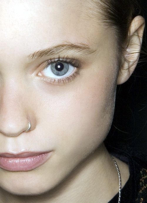 silver hoop earrings will do, too, if they beautifully match your skin tone