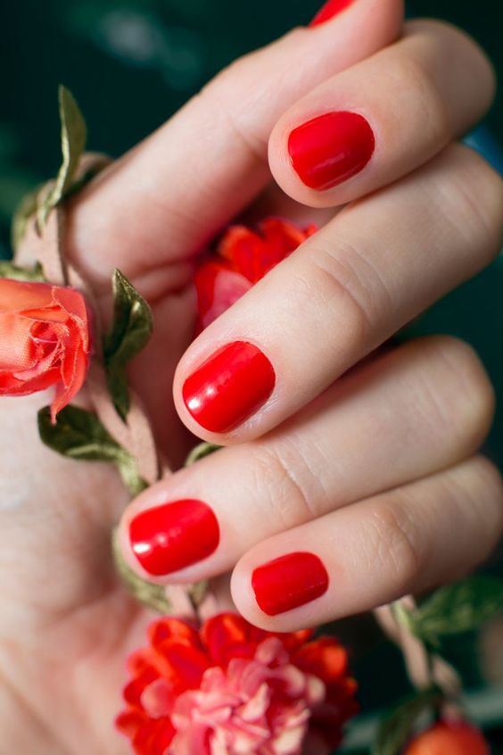 find your perfect shade of red that will match the complexion and use it for creating a chic look
