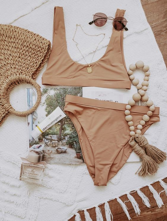 a chic tan bikini with a comfy top and a high cut bottom is a lovely idea for a minimalist beach look